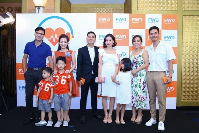 Các cặp đôi nổi tiếng của làng giải trí cùng các con đến tham dự sự kiện.