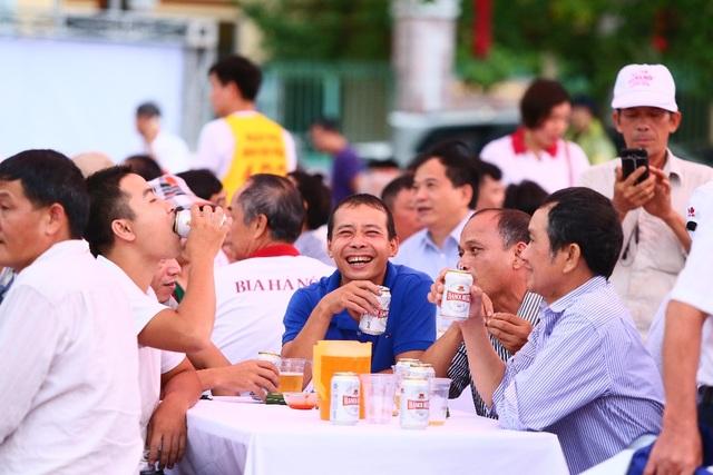 Hàng ngàn người kéo nhau về tham dự ngày hội Bia Hà Nội tại Nam Định - 6