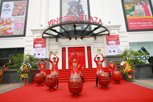 Người dân Thái Nguyên háo hức đón chào Vincom đầu tiên - 2