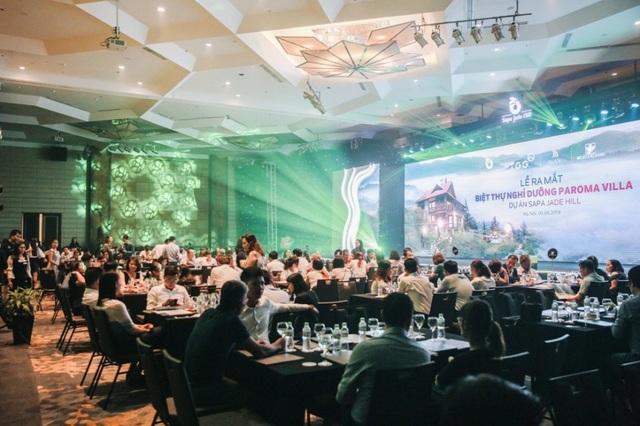 Hàng trăm nhà đầu tư tham gia tìm hiểu, giao dịch sôi nổi tại sự kiện mở bán biệt thự Paroma Villa