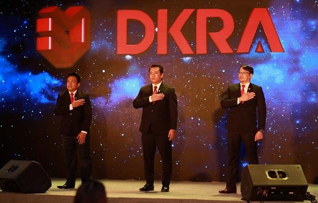 Ban lãnh đạo DKRA Vietnam cam kết giữ vững sự chính trực, hiệu quả trong mọi hoạt động của doanh nghiệp, mang lại lợi ích thiết thực và hài hòa cho tất cả các bên, bao gồm cổ đông, đối tác, khách hàng và cán bộ - nhân viên.