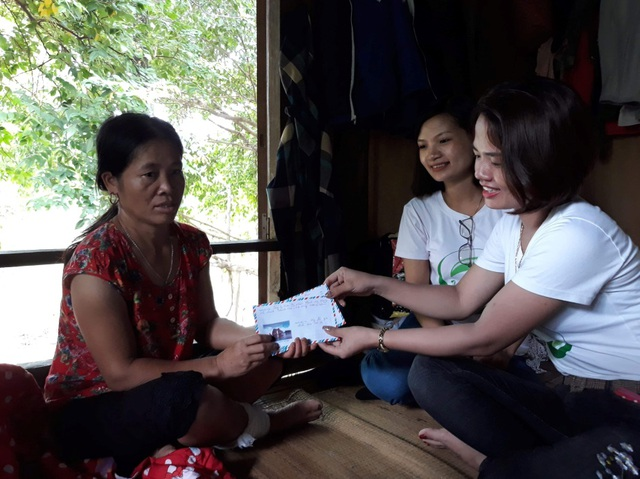 CEO Đào Nhung và các thành viên, hệ thống đại lý trong công ty tổ chức nhiều chương trình từ thiện