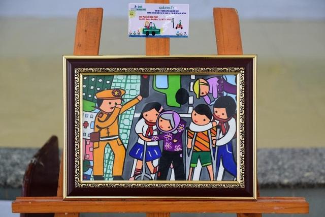 Giải nhất em Phan Lê Minh Thùy (huyện Hóc Môn, TP.HCM)