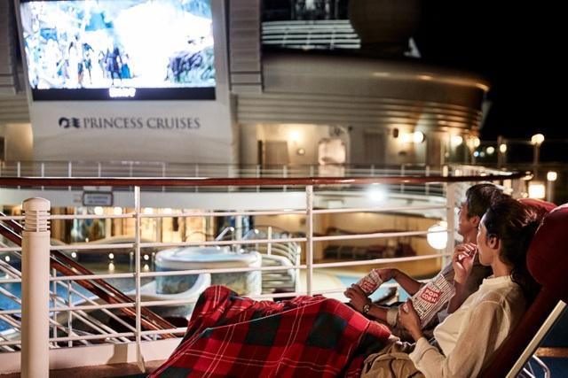 Sinh nhật lớn - Khuyến mãi lớn. Đừng bỏ lỡ cơ hội trúng thưởng chuyến du lịch 3 nước Singapore - Malaysia - Thailand trên du thuyền 5 sao hạng sang.