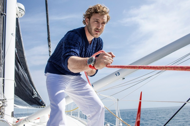 Ở tuổi ba mươi, thống trị biển cả là niềm đam mê của doanh nhân Pierre Casiraghi, con trai của công nương Monaco.