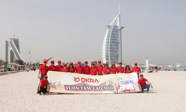 Tháng 4/2018, đoàn DKRA Vietnam check-in tại Dubai, thành phố vàng thuộc các tiểu vương quốc Ả Rập thống nhất.