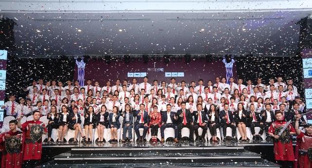 Ban lãnh đạo Phuc Khang Corporation, DKRA Vietnam và các chuyên viên sales DKRA Vietnam tại chương trình huấn luyện kinh doanh dự án Rome Diamond Lotus.