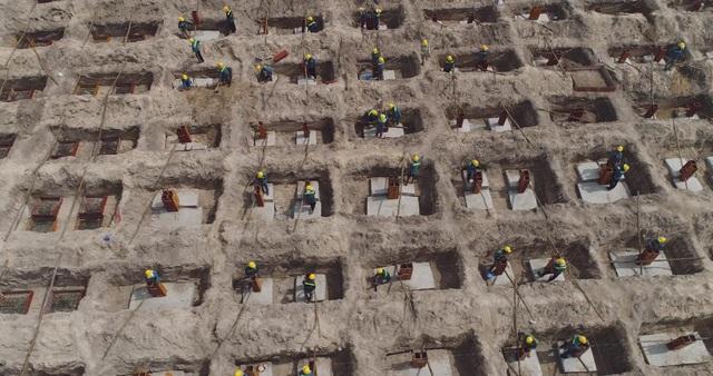 Nhiều sản phẩm được xây dựng, đảm bảo nhu cầu thiết yếu cho người lao động.