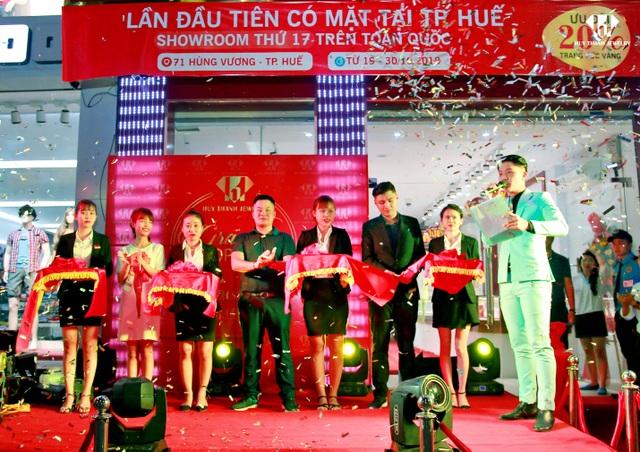 Showroom đầu tiên của Huy Thanh Jewelry tại TP.Huế và là showroom thứ 17 trên toàn quốc.