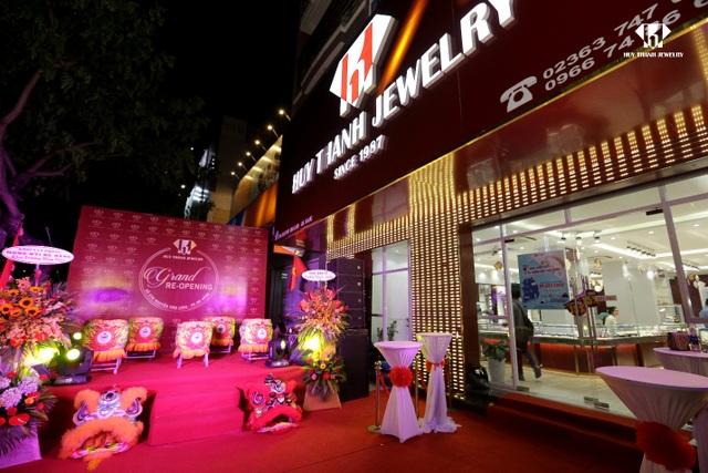 Sự kiện Re-opening Showroom Huy Thanh Jewelry 276 Nguyễn Văn Linh, Đà Nẵng