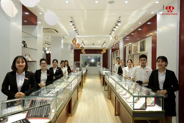 Không gian mua sắm tại Huy Thanh Jewelry 276 Nguyễn Văn Linh, Đà Nẵng