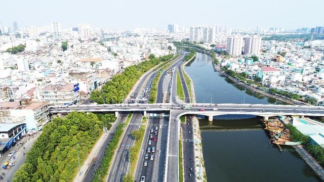 """Khu Tây Sài Gòn đang """"nóng"""" lên nhờ hạ tầng, tiện ích"""
