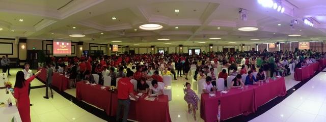 Khoảng 1.000 khách hàng tham dự lễ mở bán một dự án tại thị xã Tân Uyên.