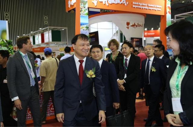 Nhiều nông sản, thực phẩm mới lạ, sạch xanh tại Vietnam Foodexpo 2018 - 2