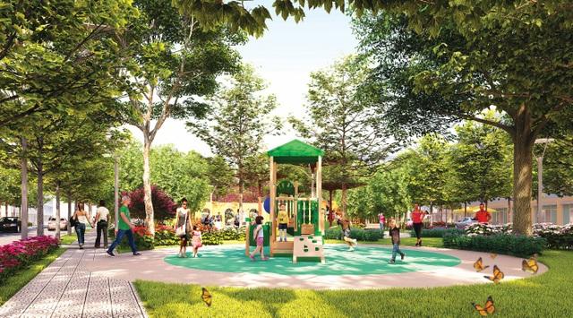 Khu vui chơi trẻ em dưới những tán cây xanh ngát là điểm đến lý tưởng để bố mẹ cùng các bé yêu vận động, thỏa thích chạy nhảy, cùng hòa mình và khám phá thiên nhiên tươi đẹp