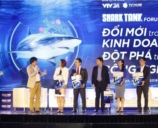 """CEO PHGLock truyền tải thông điệp của khoá điện tử PHGLock tại """"Shark Tank Forum 2018"""""""