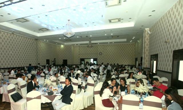 Sự kiện thu hút sự tham gia của hàng trăm khách hàng
