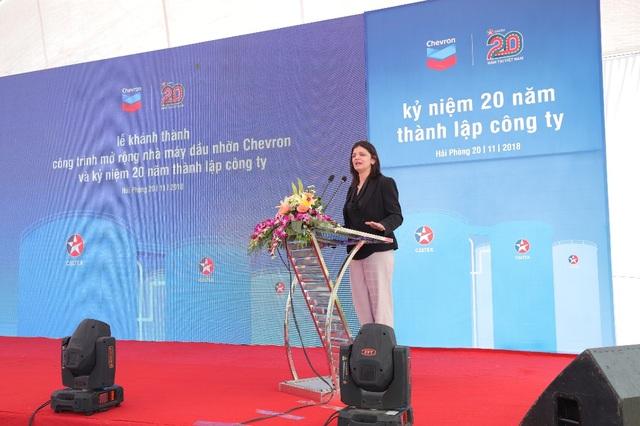 Bà Rochna Kaul, Tổng Giám đốc công ty dầu nhờn Chevron khu vực Châu Á – Pakistan gửi lời tri ân sâu sắc đến Quý đại biểu tham dự buổi lễ