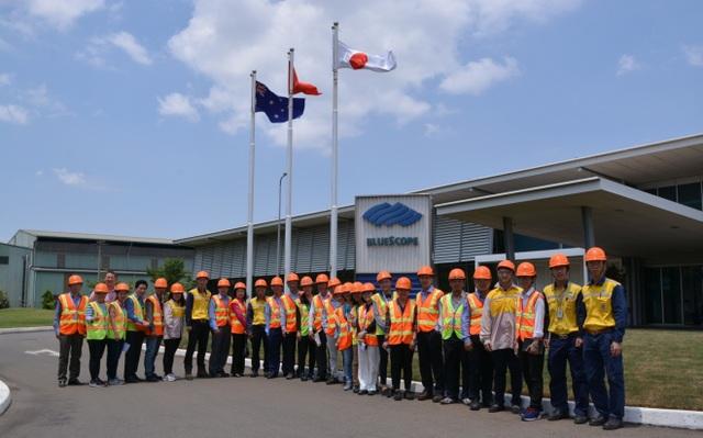 Trong khuôn khổ chương trình, các quản lý và lãnh đạo doanh nghiệp sẽ có cơ hội được tham quan mô hình quản lý an toàn theo tiêu chuẩn Úc hiện đang được NS BlueScope Việt Nam áp dụng