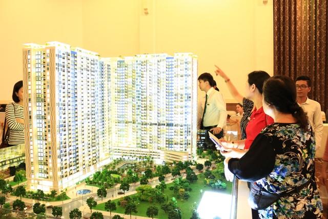 Nhiều khách hàng đến từ rất sớm để có cơ hội sở hữu nhưng căn hộ cuối cùng của dự án.
