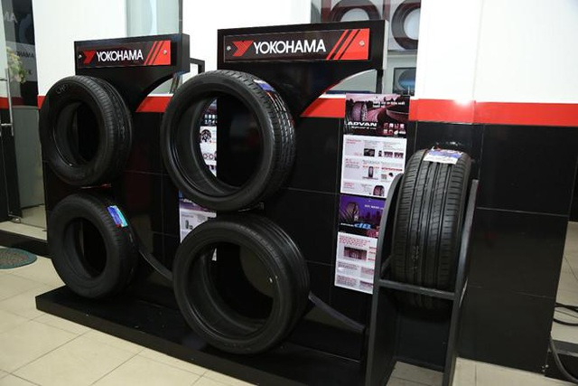 Tại các cửa hàng bảo dưỡng của Yokohama có nhiều loại lốp xe phục vụ mọi nhu cầu của khách hàng.