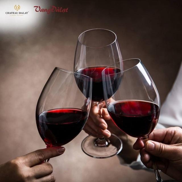 Không chỉ sở hữu hương vị đặc biệt, vang còn là đồ uống có nhiều lợi ích cho sức khoẻ