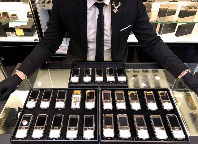 9 năm khẳng định thương hiệu Hoàng Luxury giữa thị trường Nokia 8800 - Ảnh 3.
