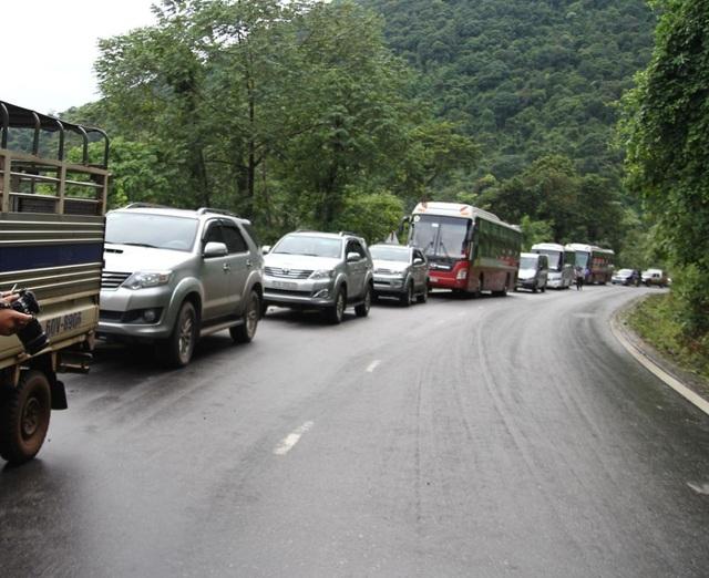 Vụ tai nạn khiến đèo Bảo Lộc tắc nghẽn nhiều giờ liền