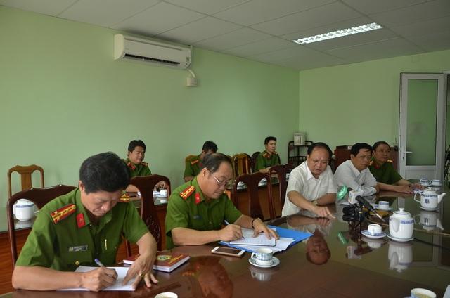 Ông Tất Thành Cang - Phó Bí thư Thường trực Thành ủy TPHCM đã có buổi làm việc nhanh với Cảnh sát PCCC TPHCM và UBND quận 3