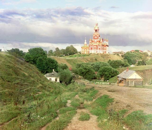 Nhà thờ Thánh Nicholas ở Mozhaisk. Hình ảnh được chụp trong khoảng thời gian từ 1911-1912.