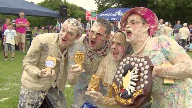 """Muôn kiểu lễ hội ẩm thực độc lạ mà """"điên rồ"""" nhất thế giới - 4"""