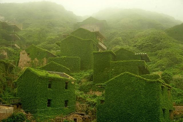 Vẻ đẹp bí ẩn của những công trình bỏ hoang trên khắp thế giới - 2