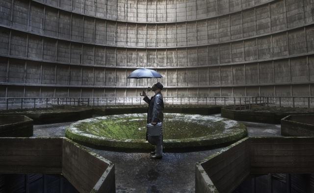 """Khung cảnh có phần """"rợn người"""" bên trong một nhà máy điện bị bỏ hoang ở Charleroi, Bỉ."""