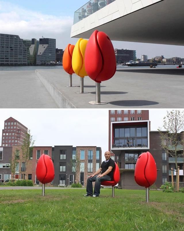 Ghế tựa lấy cảm hứng từ những bông hoa tulip.