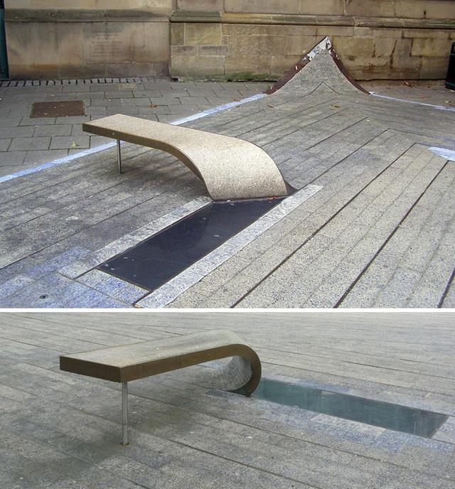 Ghế ngồi với ý tưởng độc đáo trên đường phố ở thành phố Newcastle, Vương quốc Anh.