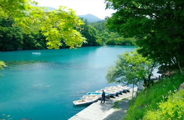 Lặng ngắm vẻ đẹp bình yên bất tận của hồ ngũ sắc Goshiki-numa - 4