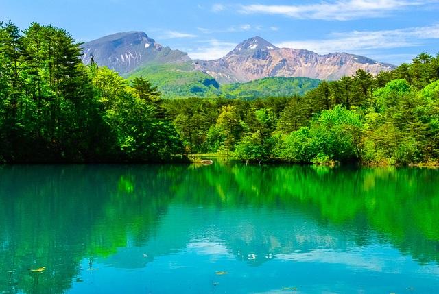 Lặng ngắm vẻ đẹp bình yên bất tận của hồ ngũ sắc Goshiki-numa - 5