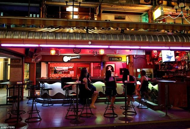 Các cửa hàng tiện lợi ở Thái Lan cũng không bán rượu cũng như những đồ uống chứa cồn.