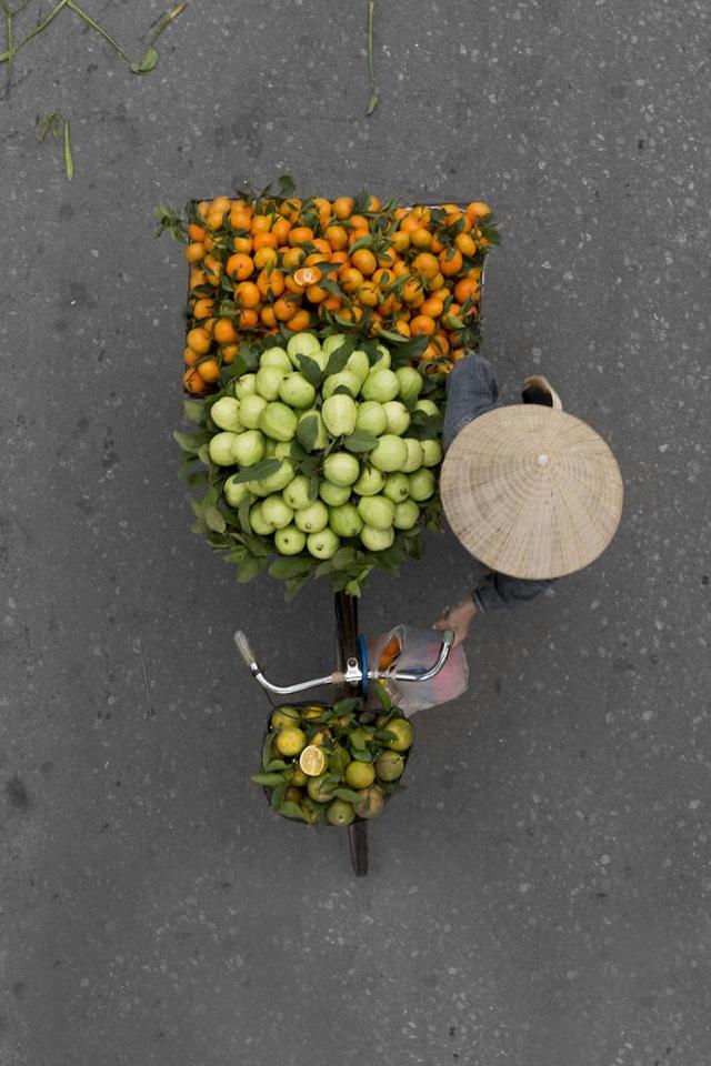 Vẻ đẹp những gánh hàng rong Hà Nội trên báo nước ngoài - 8