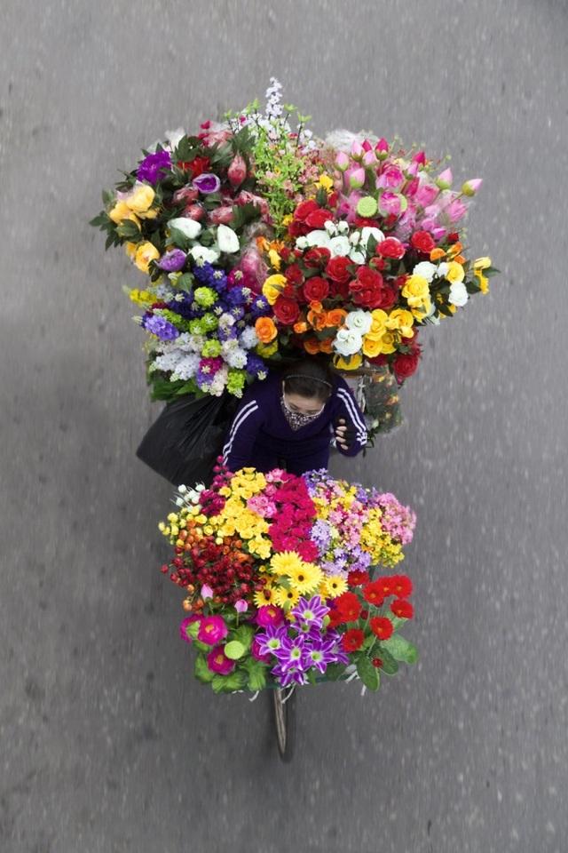 """""""Cửa hàng hoa di động"""" trên phố"""