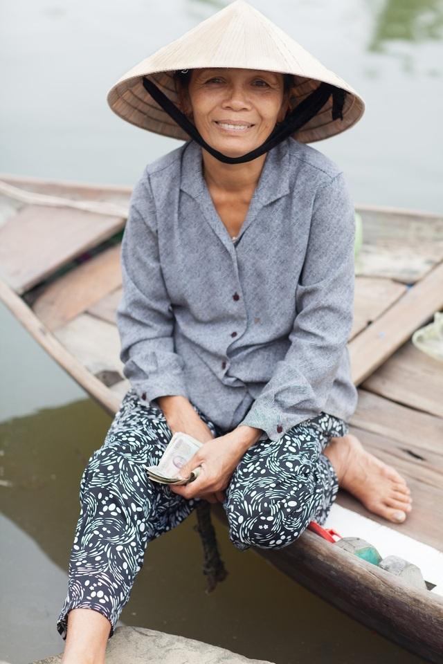 Hình ảnh đời thường giản dị của một phụ nữ người Việt Nam
