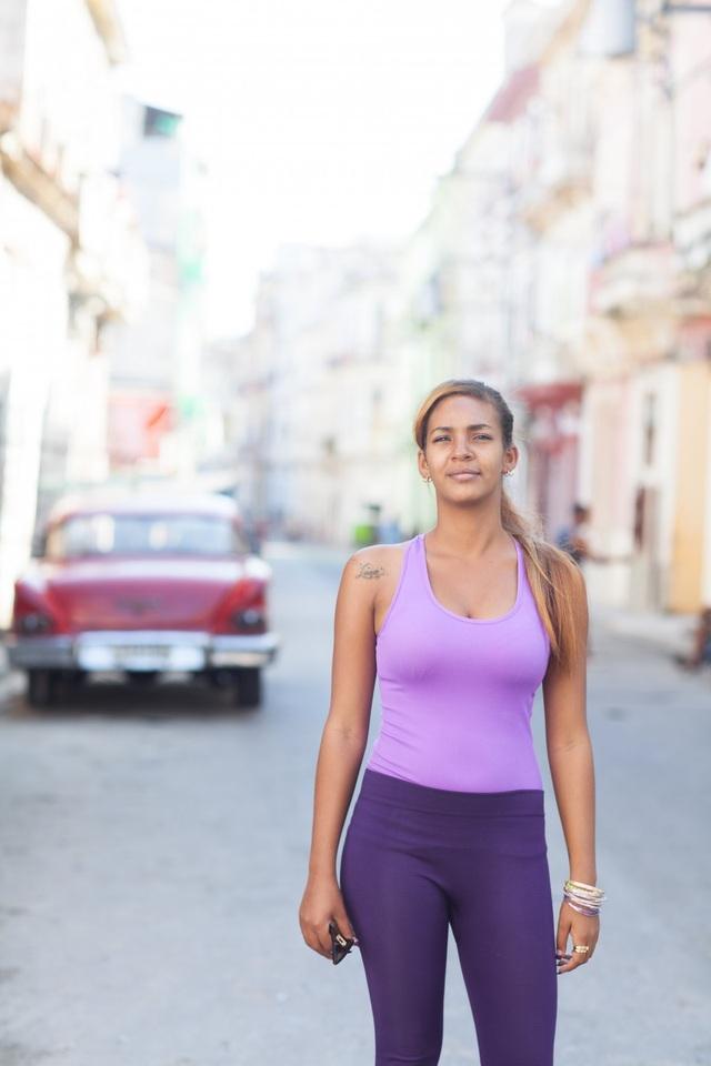 Vẻ đẹp khỏe khoắn của thiếu nữ người Cuba.