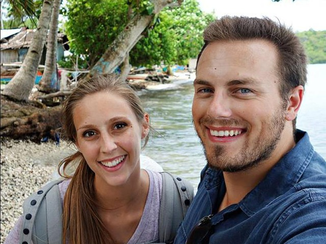 Sau khi tốt nghiệp đại học, cặp đôi trẻ người Mỹ quyết định lên đường khám phá thế giới