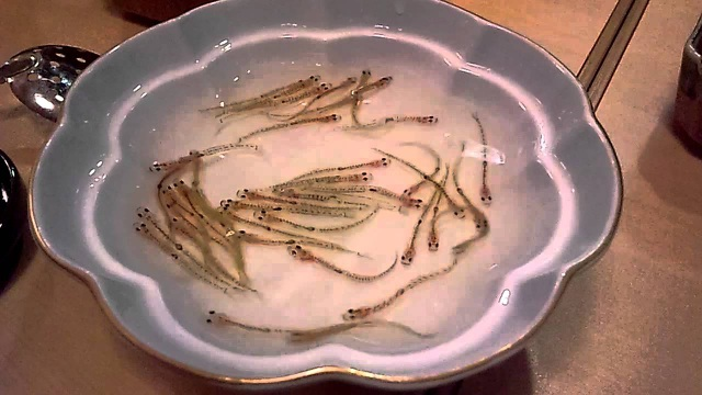 """Những món đặc sản Nhật Bản khiến thực khách phải """"lè lưỡi"""" - 2"""