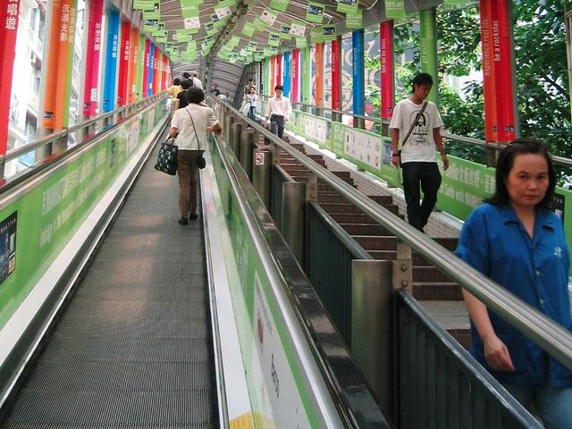 Độc đáo thang cuốn ngoài trời dài nhất thế giới ở Hong Kong - 5