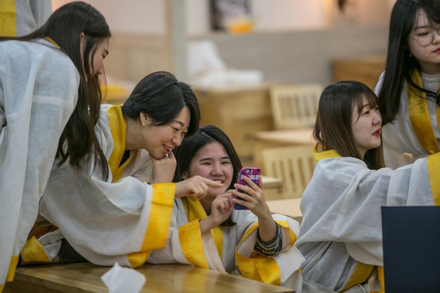 """Giới trẻ Hàn Quốc rủ nhau... """"thử chết"""" - 5"""