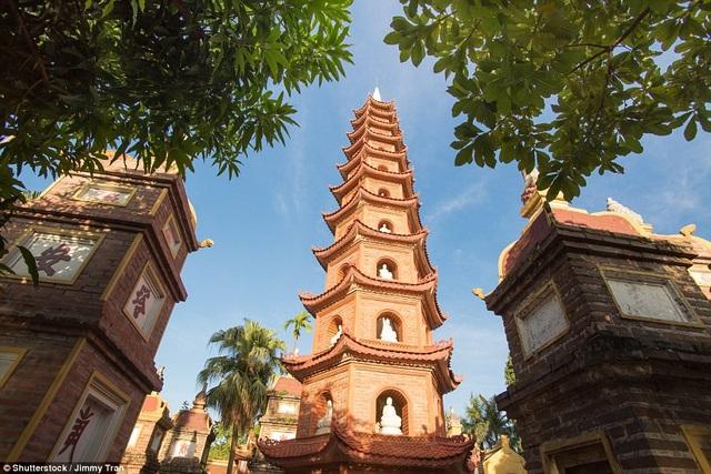 Chùa Trấn Quốc nằm trong Top những ngôi chùa đẹp nhất thế giới - 1