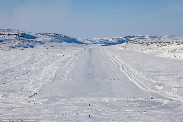 Muôn kiểu đường băng của sân bay độc lạ trên khắp thế giới - 1