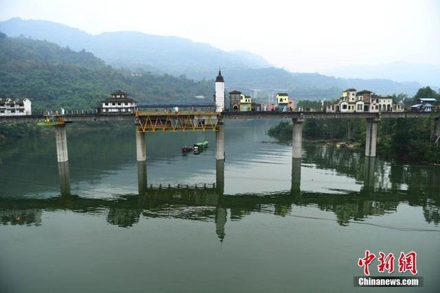 Bên cạnh lối kiến trúc mang đậm phong cách truyền thống của Trung Quốc…
