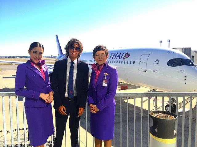 Là nhà phân tích hàng không, nhiệm vụ của Macheras đảm nhận việc báo cáo lễ khai mạc, ra mắt đường bay mới, máy bay mới và phân tích dịch vụ trên chuyến bay.